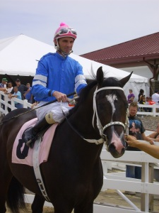Can Perfect Start keep his mojo going in the Lansing Stakes? Jockey T.D. Houghton takes the cold out on the track before his first start.